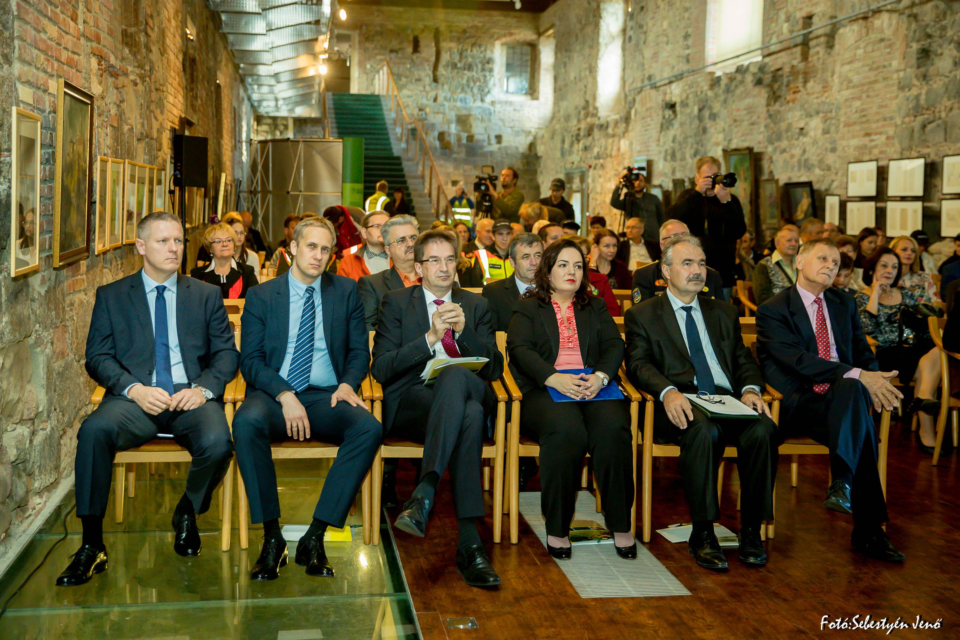 Környezetvédelmi konferencia Esztergomban - Sebestyén Jenő fotója